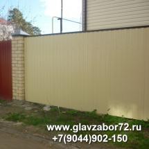 Забор из профнастила с кирпичными столбами, СНТ Сосенка, Тюмень